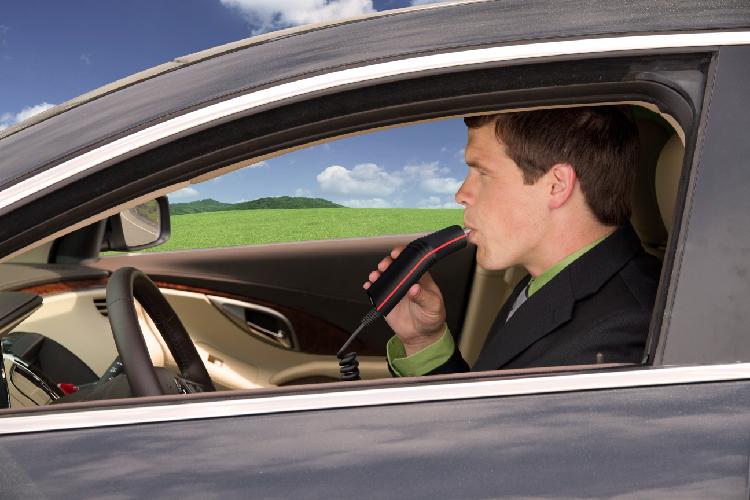 Elektroninis stebėjimas   Automobilio užvedimo blokavimo sistema turi patobulintą duomenų registravimą, taip sukuriant galimybes efektyviau vykdyti stebėseną bei gauti išsamesnę analizę.